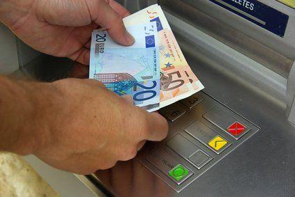 Bargeld Abheben Limit Geldwäschegesetz
